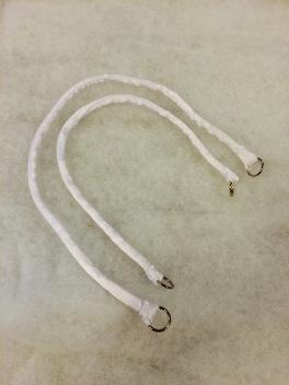 Handgjord i vit satin